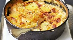 How to Make a Gratin Dauphinois -The French Cooking Academy Gratin Dauphinois Recipe, Lemon Coriander Soup, French Potatoes, Cauliflower Gratin, Potatoes Au Gratin, Potato Dishes, Potato Recipes, Macaroni And Cheese, Food Processor Recipes