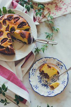Lemon pie and tie&dye: Gâteau aux fruits, amande et polenta // Fruits, almonds and polenta cake