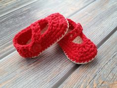 Crochet Baby Shoes  Crochet Infant Slippers  by TinyCraftyToes