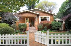 Bungalows of the Arts & Crafts Movement