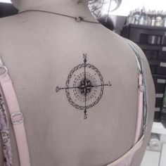 #mulpix Rosa dos ventos feito em @mariaribeiro1 obrigado pela confiança! #art #arte #ink #inked #tattoo #tatuagem #tattoo2me #tattoolife #fineline #blackwork #tatuagemfeminina #girltattoo #tatoosparadise #tatuagenslovers