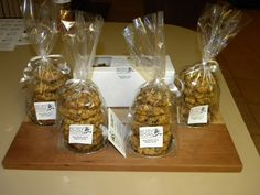 an order of oatmeal raisin cookies
