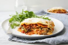 Packed full of roasted vegies, tomato pesto and cheese, even meat-lovers will love this vegetarian lasagne. Lasagne Recipes, Pasta Recipes, Cooking Recipes, Noodle Recipes, Roasted Vegetable Lasagne, Roasted Vegetables, Vegetarian Lasagne, Vegetarian Recipes, Veg Recipes