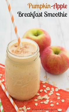 Pumpkin and apple are the perfect pairing in this fall breakfast smoothie. This healthy Pumpkin-Apple Breakfast Smoothie is made with a pinch of pumpkin pie spice and will keep you full for hours!