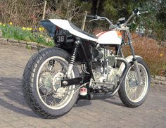 very sweet Triumph flat tracker