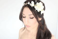 Hey, I found this really awesome Etsy listing at https://www.etsy.com/listing/184262466/ivory-flower-crown-wedding-headpiece