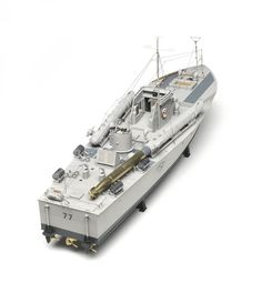 Italeri 1/35 scale Vosper MTB - Italeri continues to expand its series of 1/35 scale patrol/torpedo boats with the release of a Vosper MTB. The kit comes well-packed in a large box containing hull and deck as single pieces; only the hull rear plate is separate.