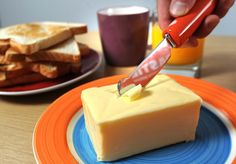 Battery operated butter knife