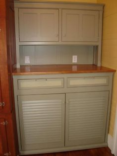 light kitchen cabinets glazed knotty alder cabinetry topped with honed granite 22659