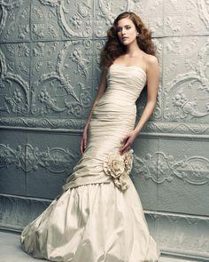 Paloma Blanca Bridal Classics Collection – Style 4201