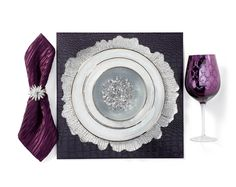 If you're looking to set a glamorous table for a more formal dinner, use linens and glassware in a regal color alongside sparkly touches. Decoration Table, Table Centerpieces, Affordable Modern Furniture, Christmas Decorations, Holiday Decorating, Decorating Ideas, Decor Ideas, Home Decor Store, Farmhouse Decor