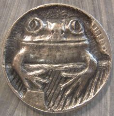 Sculpture: ($40) Hobo Nickel Miniature Metal Carving Frog
