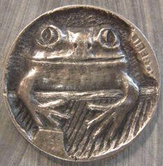Sculpture: ($40) Hobo Nickel Miniature Metal Carving Frog
