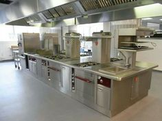 Restaurant Kitchen Design, Diner Restaurant, Hotel Kitchen, Restaurant Equipment, Kitchen Equipment, Kitchen Interior, Kitchen Dining, Walk In Freezer, Commercial Kitchen Design