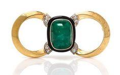 1935 Gold, Platinum, Emerald, Diamond and Onyx Brooch ---#brooch #jewelry #design #emerald #platinum