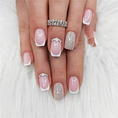 Semi-permanent varnish, false nails, patches: which manicure to choose? - My Nails Classy Nails, Stylish Nails, Trendy Nails, Cute Nails, Bride Nails Wedding, Bridal Nails, Square Nail Designs, Nail Art Designs, Pink Nails