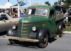 1937 International pickup by carphoto International Pickup Truck, International Harvester Truck, Old Pickup, Pickup Trucks, Antique Trucks, Antique Cars, Vintage Auto, Vintage Cars, Old American Cars