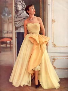 Robert Piguet 1950 Evening Gown, Pottier...I SAY WE BRING THE 1950'S EVENING GOWN STYLES BACK!!