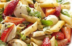 Recetas originales de ensalada de pasta http://stylelovely.com/fitness/ensaladas-pasta-las-recetas-mas-originales/
