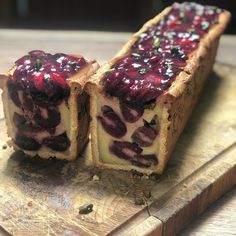 Goat Cheese Cake with Hazelnut, Easy and Cheap - Clean Eating Snacks Cheap Clean Eating, Clean Eating Snacks, Healthy Brunch, Brunch Food, Cold Cake, Baking Tins, Savoury Cake, Mini Cakes, Brunch Recipes
