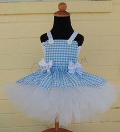 Dorothy Tutu Costume. Need this in my size..:)