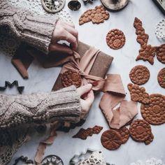 Blood orange & black sesame loaf cake - Call Me Cupcake - Cakes Chocolate Fudge Frosting, Chocolate Strawberry Cake, Chocolate Spread, Strawberry Cakes, Chocolate Hazelnut, Chocolate Cake, Gingerbread Village, Gingerbread Cake, Cupcakes