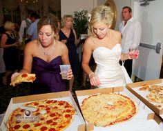 A great wedding aftertizer- pizza!