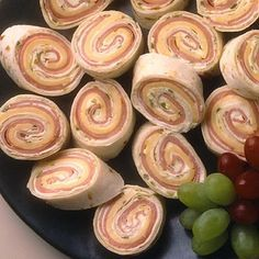 & Cheese Spirals Spiral Sandwiches (Ham and cheese or turkey, or pb and banana!) Great for on the go or showers.Spiral Sandwiches (Ham and cheese or turkey, or pb and banana!) Great for on the go or showers. Finger Food Appetizers, Appetizers For Party, Finger Foods, Appetizer Recipes, Snack Recipes, Cooking Recipes, Snacks, Homemade Ham, Pinwheel Recipes