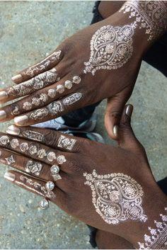 Rose Gold Henna Hand Set // Mano diseño henna. Oro rosado