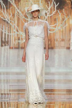 Vestidos de noiva de Yolan Cris 2014. #casamento #vestidodenoiva #chapéu #BBW13