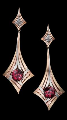 Rouge Moderne Earrings feature exotic red Zircons surrounded by three sweeping, architectural lines of gold and capped with kite shaped white diamonds. Star Jewelry, Jewelry Art, Gold Jewelry, Fine Jewelry, Jewelry Design, Jewlery, Gold Star Earrings, Simple Earrings, Silver Hoop Earrings