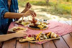 Seznam – najdu tam, co neznám Picnic Images, Picnic Pictures, Artisan Food, Kalamata Olives, Grilled Fish, Tapenade, Byron Bay, Antipasto, Health And Wellness