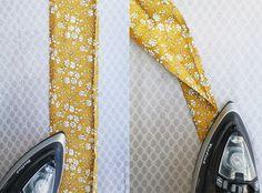 ender Diy Flowers, Flower Diy, Hair Ribbons, Liberty Of London, Crochet Blanket Patterns, Easter Crafts, Scrunchies, Diy Crafts, Diy Home Crafts