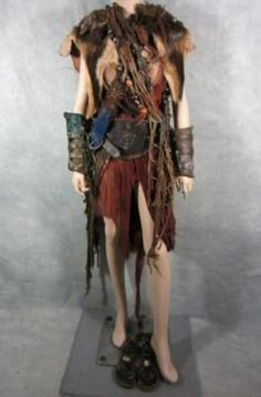 SPARTACUS FEMALE REBEL SCREEN WORN CLOAK DRESS DRAPES BELTS CUFFS SANDALS EP307 (05/07/2013)
