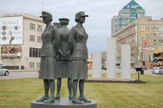 Women Veterans of the Two World Wars  This statue of three servicewomen was unveiled on 4 July 1976 in Memorial Park in downtown Winnipeg. Intended to honour women of the British Commonwealth who served or died during the First World War (1914-1918) and the Second World War (1939-1945), it was erected by the Women's Tri-Service Service Association WWI & II Veterans of Winnipeg. A. D.Bessette
