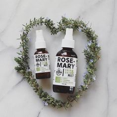 From farm to bottle, our Rosemary Mist is exceptionally aromatic, energizing and nourishing for your skin and hair.Known for its antibacterial, antiseptic and anti-inflammatory properties, Rosemary Mist is perfect for acne and to lighten fine lines by bringing circulation to the capillary veins., which in turn brightens the skin with regular use. 🌿 The scent of Rosemary can increase memory up to 75%. It awakens the mind gently, making it perfect for road trips, the office or backpack. 💡…