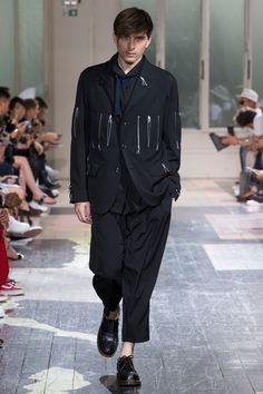 Yohji Yamamoto Spring 2018 Menswear Collection Photos - Vogue