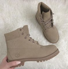 There are 2 tips to buy shoes, timberland boots shoes, timberlands. Heeled Boots, Bootie Boots, Shoe Boots, Ankle Boots, Shoes Heels, Tims Boots, Timberland Boots Outfit, Rain Boots, Sock Shoes