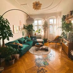 Die ultimative Abwechslung im Wohnzimmer – fridlaa How we got the ultimate change in the living room, you can find … Boho Living Room, Home And Living, Living Spaces, Living Room With Plants, Art Deco Living Room, Dog Spaces, Retro Living Rooms, Small Living, Modern Living