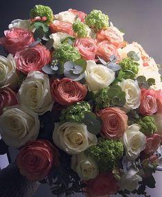 Imagine receiving these... Bouquet by @djursholmsblommor #meijerroses #flowers #flowerstagram #flowerpower #weddings #weddinginspiration #flowerslover #weddingflowers #weddingideas #bride #flowermagic #weddingday #weddingstyle #weddingtime #weddinginspo #weddingseason #bridetobe #photooftheday