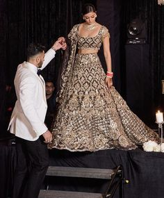 2020 Brides Are You Ready Here We Come With Fresh New Idea For You All :- AwesomeLifestyleFashion . Indian Reception Outfit, Wedding Reception Outfit, Desi Wedding Dresses, Indian Wedding Outfits, Bridal Outfits, Indian Outfits, Bridal Dresses, Gift Wedding, Bouquet Wedding