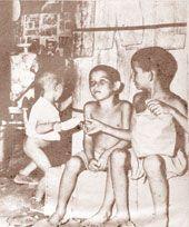 Tres niños humildes