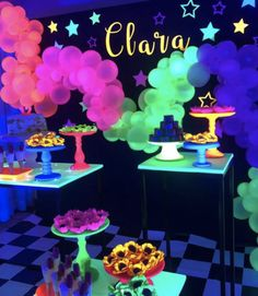 glow in the dark winter party idea 15th Birthday Party Ideas, Sleepover Birthday Parties, Winter Birthday Parties, Winter Parties, 14th Birthday, Birthday Decorations, Teen Parties, Neon Birthday Cakes, Room Decorations
