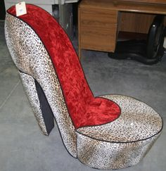 http://www.auctionbymayo.com/index.php?subp=1==1=30830=17198_id=1135875=1371570168#  Animal Print High Heel Chair