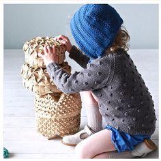 | Popcorngenser fra Paelas og kyse fra ....? • strikket av @morsinehjerter |