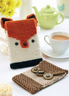 Today's FREE E-reader cozy knitting pattern by Let's Knit Magazine Knitting For Kids, Free Knitting, Knitting Projects, Animal Knitting Patterns, Knit Patterns, Knitting Magazine, Knit Picks, Knitting Accessories, Knit Or Crochet