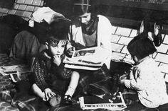 Niños refugiados en el Metro de Madrid durante la guerra civil.- FUNDACIÓN F. LARGO CABALLERO