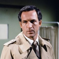 Captain Frank Furillo (Daniel J. Travanti)