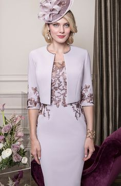 John Charles 26542 from their Autumn/Winter 2018 collection. A stylish Mother of the Bride and Mother of the Groom outfit with matching jacket. Elegant Outfit, Elegant Dresses, Beautiful Dresses, Nice Dresses, Mother Of The Bride Suits, Mother Of Bride Outfits, Derby Outfits, Mode Outfits, Gala Dresses