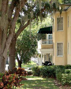 Lakeside Inn, Mt. Dora, FL   Wonderful wonderful place.....